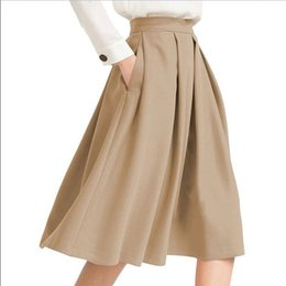 Плиссированные атласные юбки онлайн-2019 Hot Selling Khaki Pleated Women High Waist Casual Skirts With Pockets Knee Length Cheap High Quality Chic Satin Bottom Saia