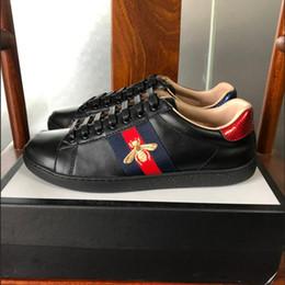 Meilleure qualité baskets brodés Ace avec du ruban adhésif pour homme femmes vert rayures rouges chaussures en cuir de designer en cuir avec tiger bee pearl noir 34-46 ? partir de fabricateur