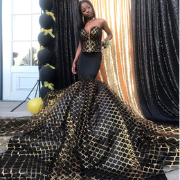 netted evening gowns Promo Codes - 2019 Stylish Mermaid Black Girls Prom Dresses Strapless Neck Trumpet Formal Dress Gold Net Plus Size Evening Gowns