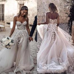 Più il vestito della sposa di formato online-2020 nuovi economici plus size stile country 3D appliques floreali abiti da sposa a-line abiti da sposa bohemien per spose robe de mariée BC2024
