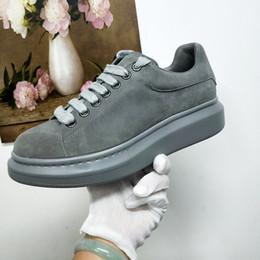 design de moda feminina Desconto Com caixa de moda de couro homens e mulheres de atletismo de veludo sapatilhas de altura planas sapatos casuais de design de luxo camurça tênis de camurça sapatos