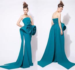 Vestidos azzi osta online-Azzi y Osta vestidos de cazador Ropa de noche Tren largo 2019 Elegante estilo árabe sin tirantes de lentejuelas con cuentas acanalada formal vestido de fiesta de baile