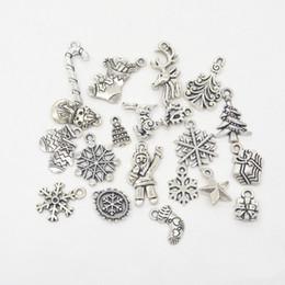 190 pcs Mix Antique tibetano encantos da árvore de Natal de prata Papai Noel caixa de presente do floco de neve boneco de neve meias renas pingentes de Natal do vintage de Fornecedores de chumbo de pistola