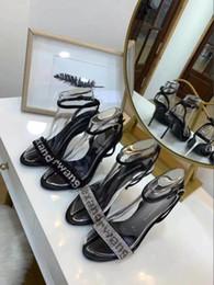 I pattini alti dell'alto tallone online-2019Wholesale vendita al dettaglio - Sexy Lace scava fuori scarpe da donna Zip tacchi alti sandali a punta pompa sandalo scarpe da sposa taglia 35-40-No scatola