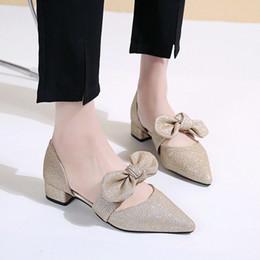 Canada 2019 printemps nouvelle mode mature a souligné la racine carrée arc bouche peu profonde talon bas chaussures en tissu de paillettes cheap roots shoes Offre
