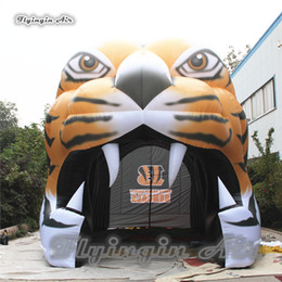 Outdoor Inflatable Sports Mascot 5m Height Blow Up Tiger Tunnel Team Entrance Tunnel For Club Event