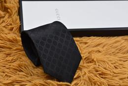 2020 paquete de pajarita 15 estilo lazo de seda jacquard diseñador de la parte superior de los hombres de lujo pajarita, negocio de la boda del lazo regalo caja de embalaje G1503 paquete de pajarita baratos