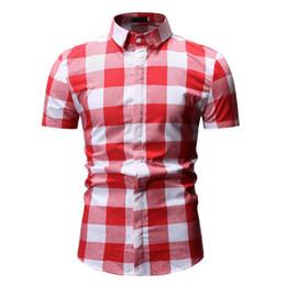 Blanco rojo a cuadros online-Mens de manga corta a cuadros blusa de botones a cuadros blanco camisa roja para hombre Fashions Chemise Homme vestir camisas hombres ropa