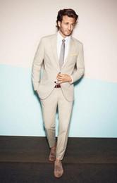 Imagens de gravata on-line-Novo 2018 Custom Made Bege Casamento Smoking Barato Real Imagem de Três Peças Formais Do Noivo Homens Ternos (jaqueta + calça + gravata)