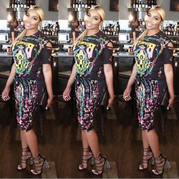 0995af8b1 Novedad de moda de verano impresa sexy 2 unidades vestido de manga corta  casual camisetas y doble lado borla lápiz faldas mujeres atractivas short t  shirts ...