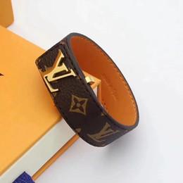 Leder breites armband für männer online-2019 New Luxury designer Braun Echte Echte Kuh Leder Charme Makramee Breite Große Armband l v Armreif Männer Frauen Schmuck Louis