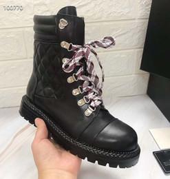 mulheres da forma botas de couro Desconto 2019 Botas femininas de grife, botas de luxo em forma de diamante feminino, botas de couro clássico de moda sincronizadas super-quentes