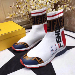 2019 zapatos de diseño para hombre botas de moto de fondo plano de moda para hombres y mujeres zapatos deportivos zapatos deportivos para correr desde fabricantes