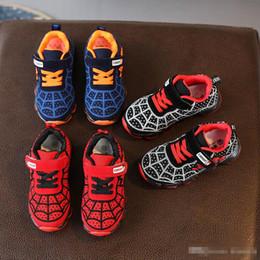 Canada Chaussures de sport pour enfants Chaussures clignotantes 18 Nouveaux garçons et filles Chaussures de course respirantes en maille Spider-Man LED Lights Offre