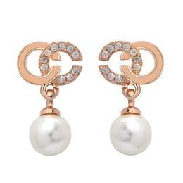 2019 Famous Brand Designer Orecchini Moda donna lettere orecchino a perno di lusso orecchini di cristallo strass gioielli vendita calda all'ingrosso della fabbrica da orecchini in oro bianco rubino fornitori