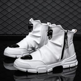 2020 sapatos casuais casual zipper Primavera 2019 Casual Sapatos Masculinos Moda Discoteca Homens Zipper Botas Black White tornozelo Mens Motos Botas Pu Couro Punk sapatos casuais casual zipper barato