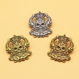 2020 cross lapel pin Re dei Re Spilla e Smalto Pin Corona traversa del cranio Aquila Lapel Pin cross lapel pin economici