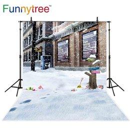Fundos de fotografia ao ar livre on-line-Funnytree fotografia cenários natal neve inverno rua pegada signpost loja criança exterior fundo fotográfico