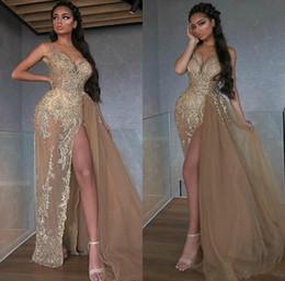 2020 Sexy alta fessura Champagne Prom Dresses oro pizzo Appliques Perle staccabile Overskirt arabo convenzionale dei vestiti da sera degli spaghetti Vestido da maniche in metallo fornitori