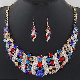Collares de boda conjuntos online-Sistemas de la joyería nupcial de cristal del banquete de boda accesorio traje collar indio pendientes fijados para la novia GorgeousJewellery Sets mujeres