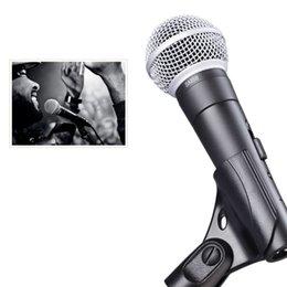 karaoke del microfono del mp3 Sconti 2019 Nuovo microfono vocale dinamico SM5 8 S con interruttore on e off Microfono palmare per karaoke cablato vocale ALTA QUALITÀ per palcoscenico e uso domestico