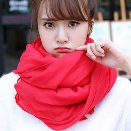 Argentina Suave rojo / azul / verde / amarillo bufanda de mujer moda otoño invierno para mujer de color sólido bufandas 175 cm algodón y lino bufanda femenina cheap solid red cotton scarf Suministro