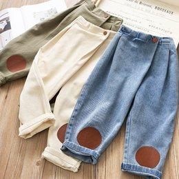 24 monate mädchen jeans Rabatt 3Color 2020 neue Art und Weise Kinder Hosen Denim Mädchen Hose Herbst-Winter-Mädchen beiläufige Kindhose Jungen Jeans Mädchenjeans Haremhosen B141