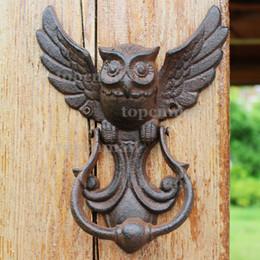 Portas de estilo country on-line-2 Peças de Ferro Fundido Rústico OWL Batente De Porta Decorativo Estilo Tradicional Do Vintage Maçaneta Da Porta Trinco País Rural Portão Decoração Mounte