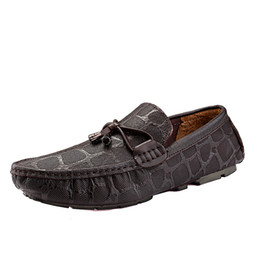 2019 style de chaussures de conduite pour hommes Style d'été hommes chaussures jeunes hommes cool Casual et confortable conduite haricot solide Mens chaussures zapatos hombre taille 38 ~ 44 * 2186 style de chaussures de conduite pour hommes pas cher