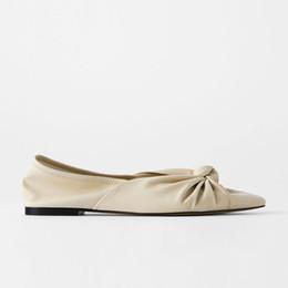2020 calçados nus ocasionais da cor Nude arco de cor Pointed Toe único sapatos Mulheres Macio Laether Ballet Shoes Moda Feminina Primavera / Outono plana Casual Mulheres calçados nus ocasionais da cor barato