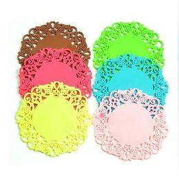 Copo de doily on-line-Frete grátis Lace Flor Doilies Silicone Coaster Cup mat isolamento de talheres de silicone pad resistente utensílio de cozinha