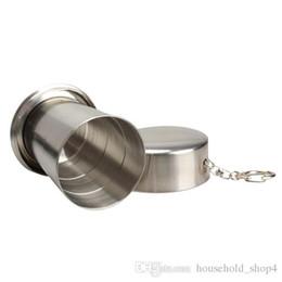 Taza que acampa plegable online-Acero inoxidable 240 ml taza plegable portátil para acampar al aire libre plegables de viaje tazas de vino telescópico de metal Llavero de café