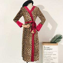2019 robe sexy leopard Neue lange Robe Fest Leopard Nachtwäsche Mode Damen Kimono Bademantel Kleid Herbst Pyjamas Bride Bridesmaid Hochzeit Negligee günstig robe sexy leopard