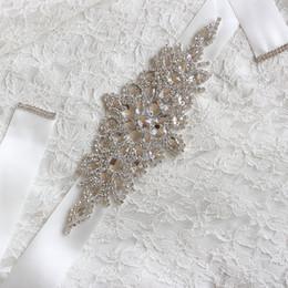 Marfim casamento vestidos de prata on-line-Frisada De Cristal Frisado Caixilhos De Casamento Branco Marfim Champagne Strass Prata Cinto De Noiva No Vestido de Renda Espumante Sash Para O Vestido De Festa