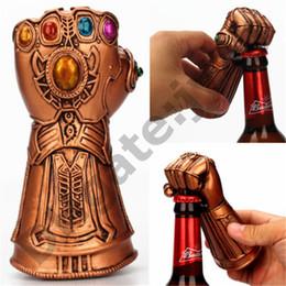 Strumenti utili online-Creativo Multiuso Infinito Thanos Guanto di protezione Guanto Apri della bottiglia di birra Strumento di rimozione di tappo di vetro di soda utile alla famiglia