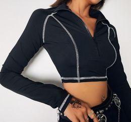 2019 Kadınlar Açık Koşu Ceketler Koşu Yansıtıcı Mektuplar Kendini Yetiştirmek Navel Exposed Spor Ceket Yarım Fermuar Siyah Üst T1734368 nereden
