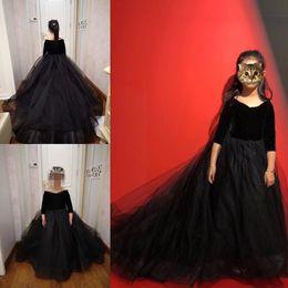 Маленькое черное платье для девочек-малышей онлайн-Черная принцесса свадебные платья девушки цветка Puffy Пачка Половина рукава бальное платье малышей Маленькие девочки Pageant причастие платье