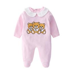 Vestuário para menino de 12 meses on-line-Infantil Urso Dos Desenhos Animados Roupas de Bebê Girlboys Manga Comprida Papai Mamãe Macacão de Bebê Babygrow Sleepsuits Romper Do Bebê 0-18 Meses J190713