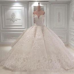 Vestido De Noiva Ball Gown Abiti da sposa 2019 Off The Shoulder Cattedrale Treno Appliques in pizzo Abito da sposa per la Chiesa Custom Made BC0388 da