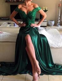Nueva fiesta de sexo online-2019 Vestidos nuevos Traje de noche Verde esmeralda Satinado Elástico Fuera del hombro Apliques de encaje Lateral Lado Formal Prom Vestidos de fiesta de graduación Por encargo
