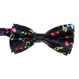 Hot preto à moda do fundo com colorido Nota Musical design Bow Tie For Men de