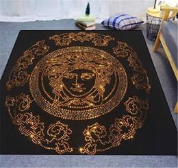 Alfombras de rayas online-Nueva impresión de oro carta alfombra moda diseño de la raya alfombra de goma de alta calidad para hombres y mujeres