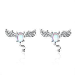 Diamante di pietra lunare online-ED612 Artificial Moonstone Little Devil Ear Nail Female Fashion Korean Edition Sweet Diamond Bat Network Red Ear Decoration