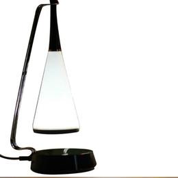 2019 tension de la carte sd LED multifonctions Lampe de table Musique Haut-parleur Lumière USB rechargeable Veilleuse Interrupteur Tactile Dimmable lecture lampe de bureau