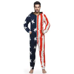 8ec11b0c06fce Nouvelle Arrivée Couples À Capuche Onesies Star Stripe Drapeau Imprimer One  Piece Pyjamas Pour Adultes Unisexe Cosplay Vêtements De Nuit Ensembles