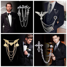 Spilla da uomo Retro Tassel Chain Timone Buckle Crown Bird Spilla Shirt Suit Collar Pins Spille Gioielli Accessori da perno nappa fornitori