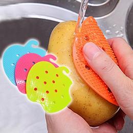 2019 cortadores de legumes atacado Forma de maçã Multi-função de Frutas Escova de Batata Ferramentas de Limpeza Fácil Cozinha Gadgets Para Casa