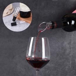 Beyaz Kırmızı Şarap Havalandırıcı Pourer Bacalı Şişe Pourers Dekantör Pourer Havalandırıcılar Taşınabilir Şarap Dökme Araçları Dayanıklı Akrilik Pourer BH1706 TQQ cheap wine bottle decanter nereden şarap şişesi dekantörü tedarikçiler