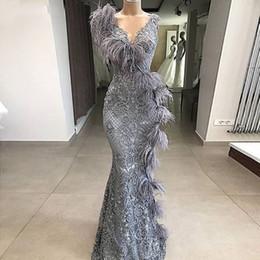 um vestido de ombro oscars Desconto Elegante Lace Grey sereia vestido de noite 2020 Penas Longo Pescoço V Formal Prom Vestidos Turquia Robe de sarau Mulheres Partido Vestido