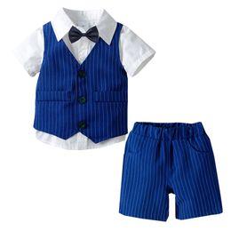 Giubbotto per bambini online-2019 New Toddler Baby Boy Gentleman Papillon T-Shirt Top + Gilet a righe + Pantaloncini Abiti estivi Vestiti Cadere Roupa Menino